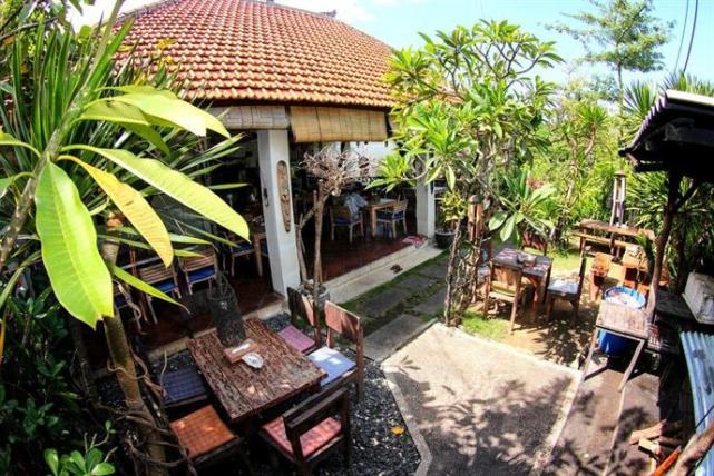 Padang Padang Breeze