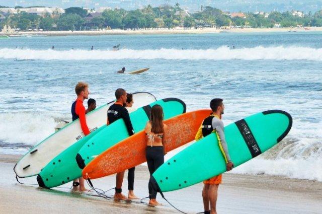 Русские школы серфинга на Бали