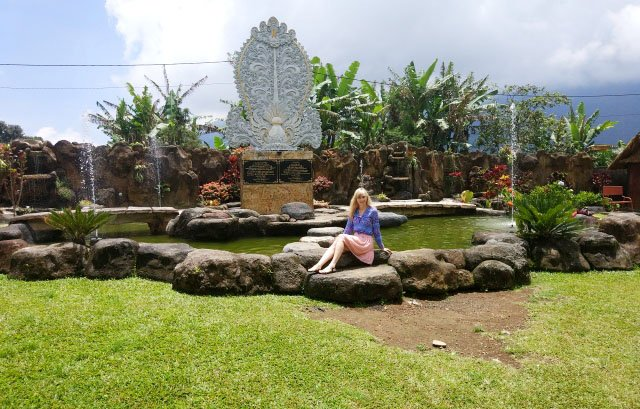 Храм Улун Дану на Бали