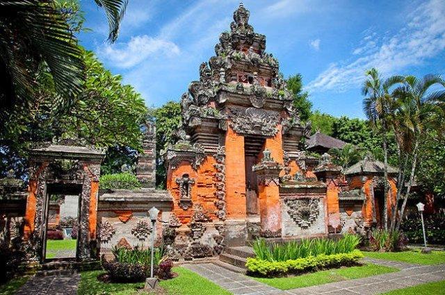 музеи Бали