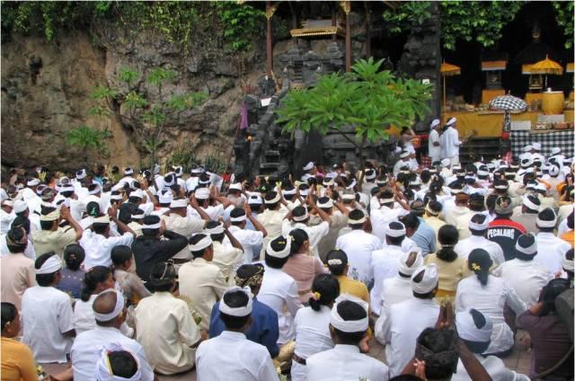 Храм Гоа Лавах на Бали