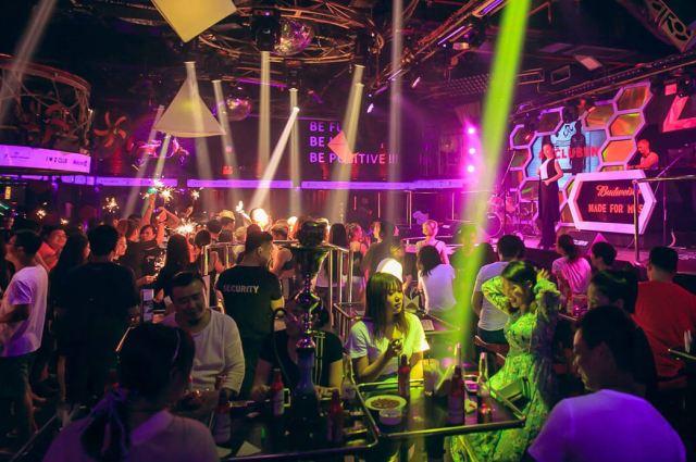 Ночная жизнь Нячанга: клубы, бары, развлечения