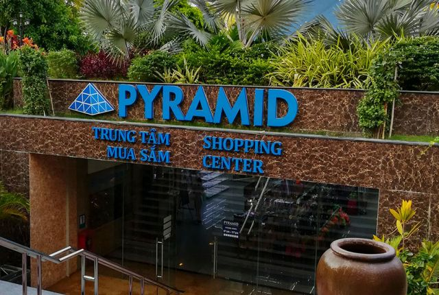 Магазин Пирамида в Нячанге