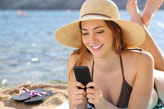 С телефоном в Турции