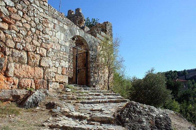 Замок Эхмедек