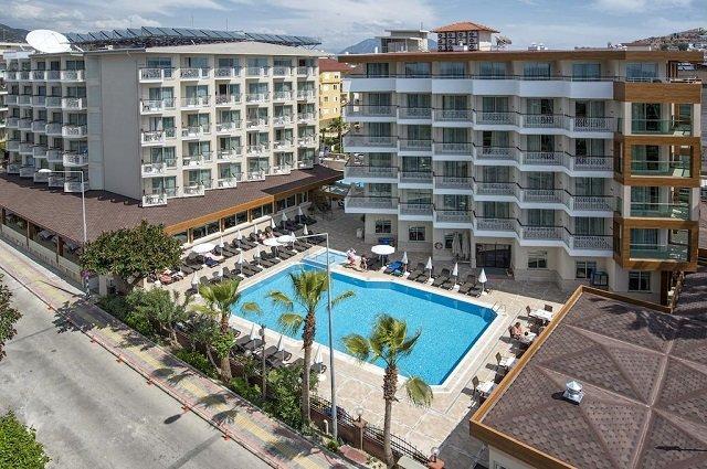Riviera Hotel & Spa 4*