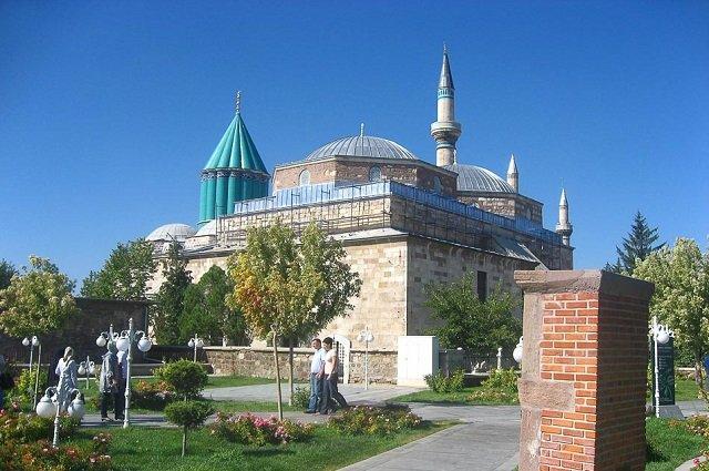 Исламский мавзолей суфийского ордена