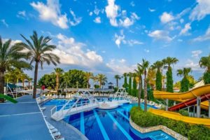 ТОП-25 отелей с подогреваемым бассейном Турции