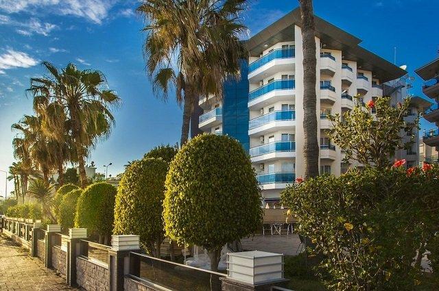 Parador Beach Hotel 3*