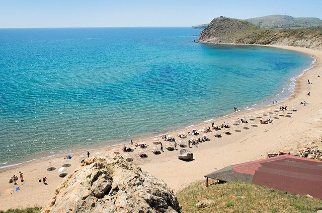 Кефалос (Гёкчеада) — пляж на острове