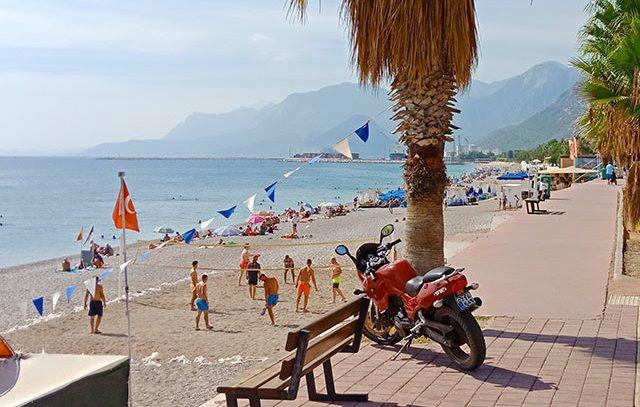 Пляж Коньяалты в Анталии